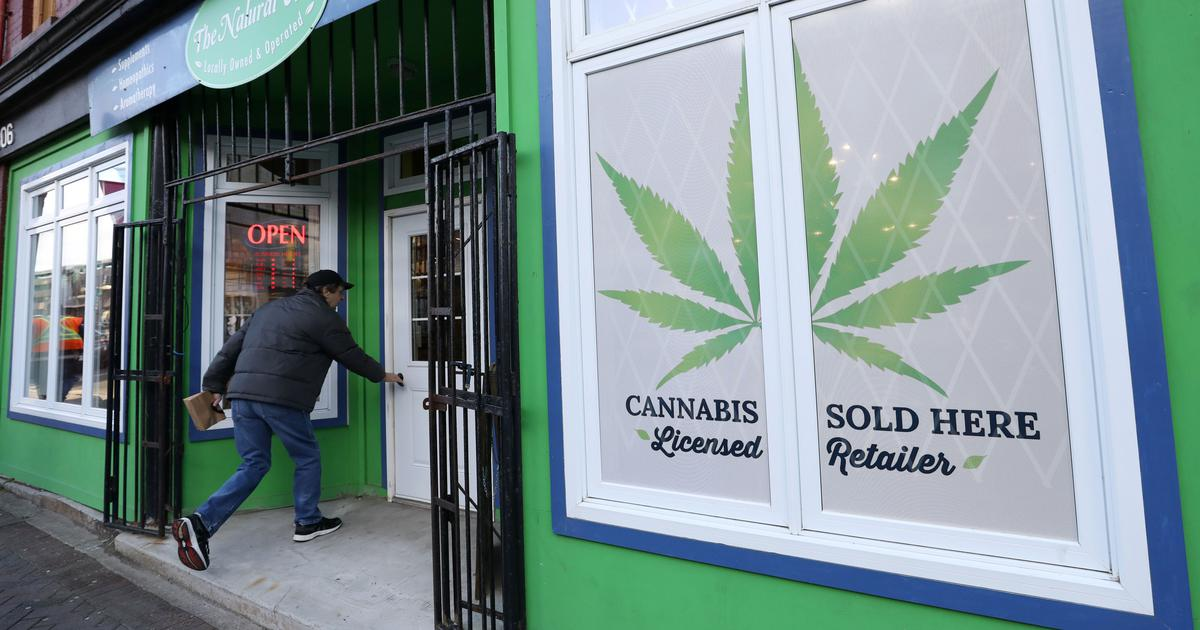 Canada becomes second country to legalise recreational cannabis