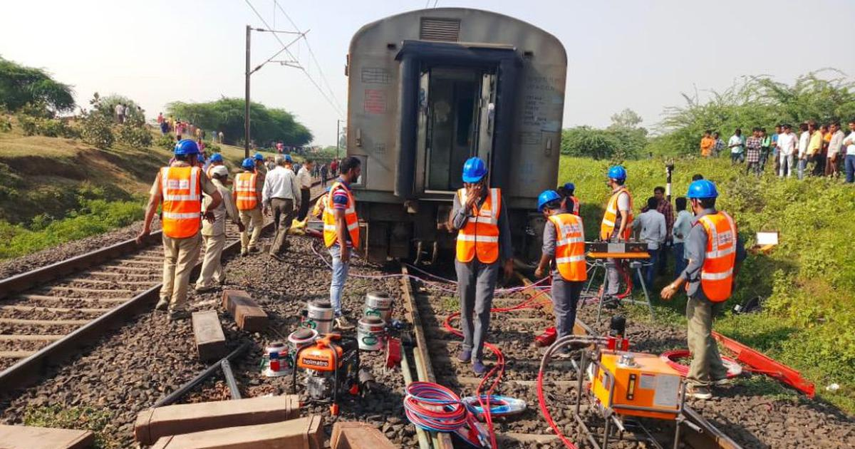 Madhya Pradesh: Two coaches of Rajdhani Express derail as truck rams into it at level crossing