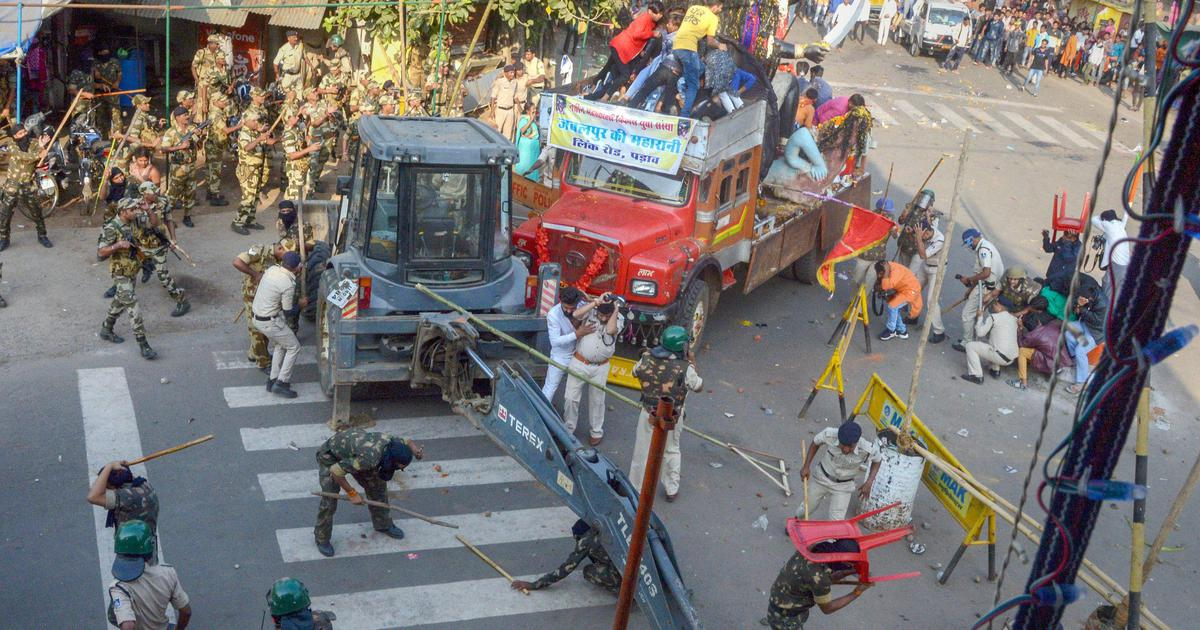 Madhya Pradesh: Devotees clash with police over immersion of idols in Jabalpur, 35 arrested