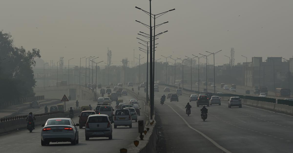 Delhi-NCR air quality drops to 'severe' category, officials advise residents to stay indoors