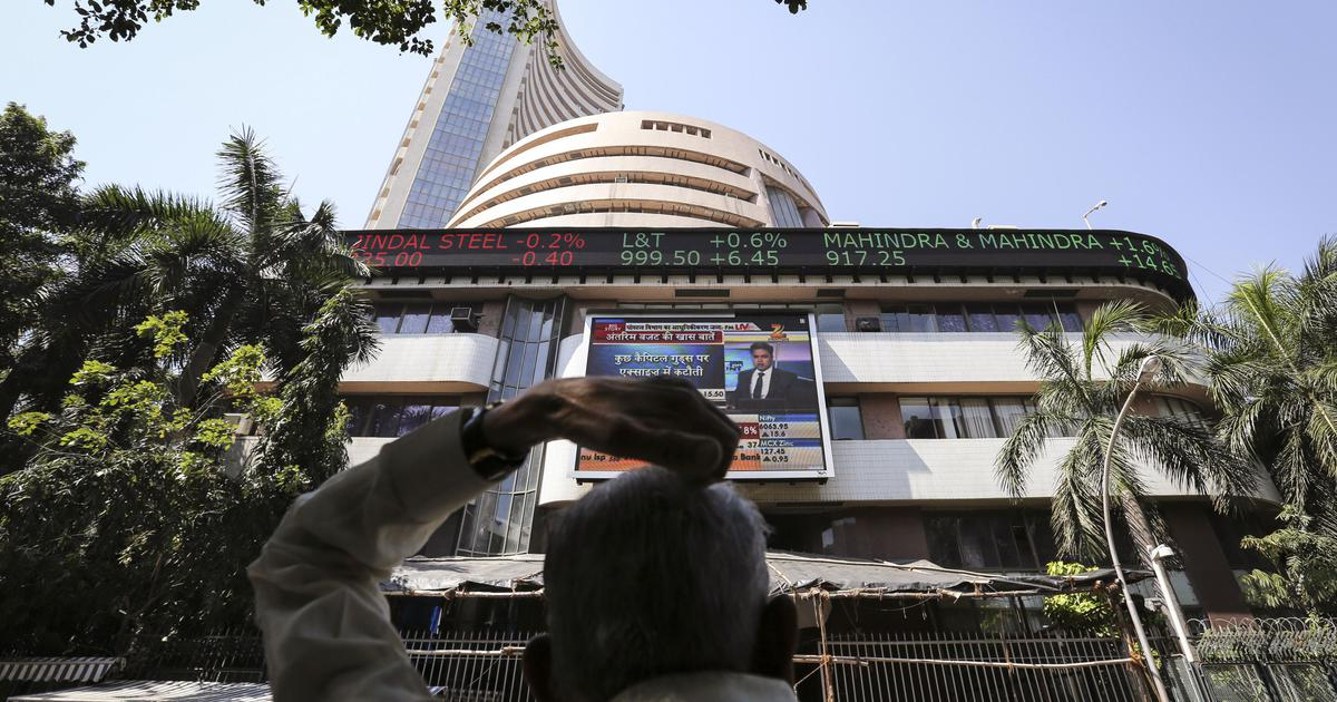 Markets suffer as global selloff continues; Sensex closes 690 points lower, Nifty at 10,754