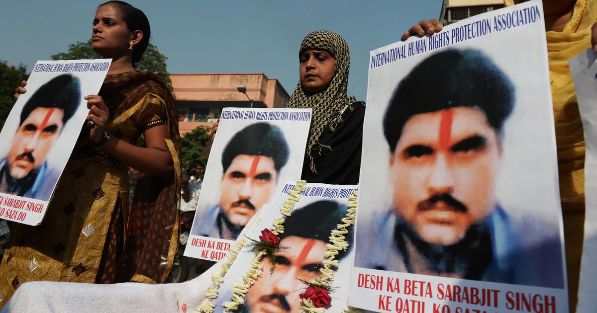 Sarabjit Singh murder case: Pakistani court acquits two prime suspects for lack of evidence