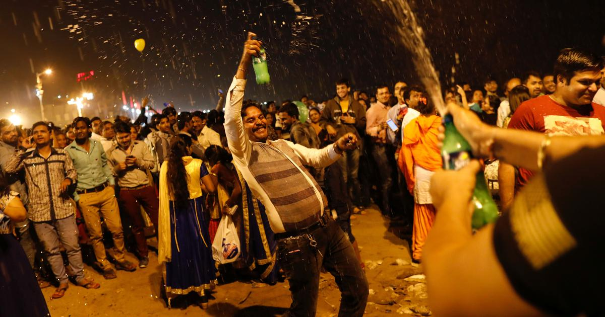 Vadodara: Police warn citizens against consuming alcohol, 'indecent behaviour' at New Year parties