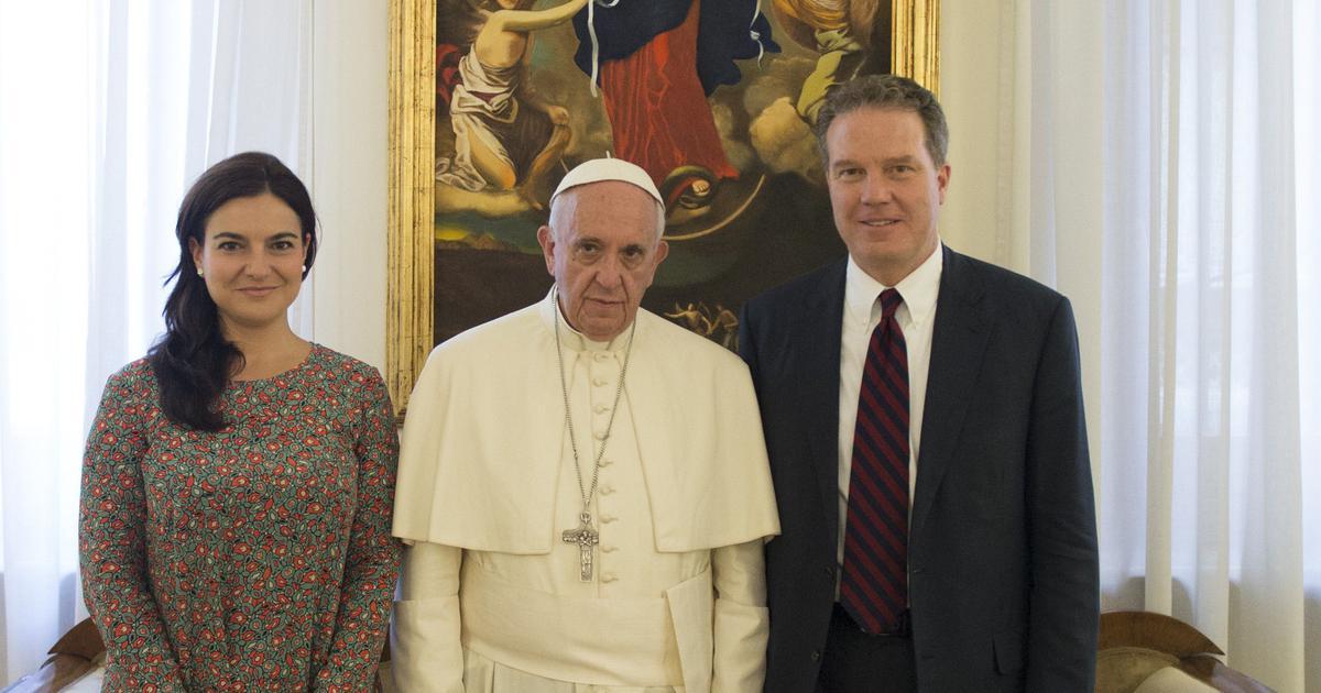 Vatican spokesman Greg Burke resigns suddenly