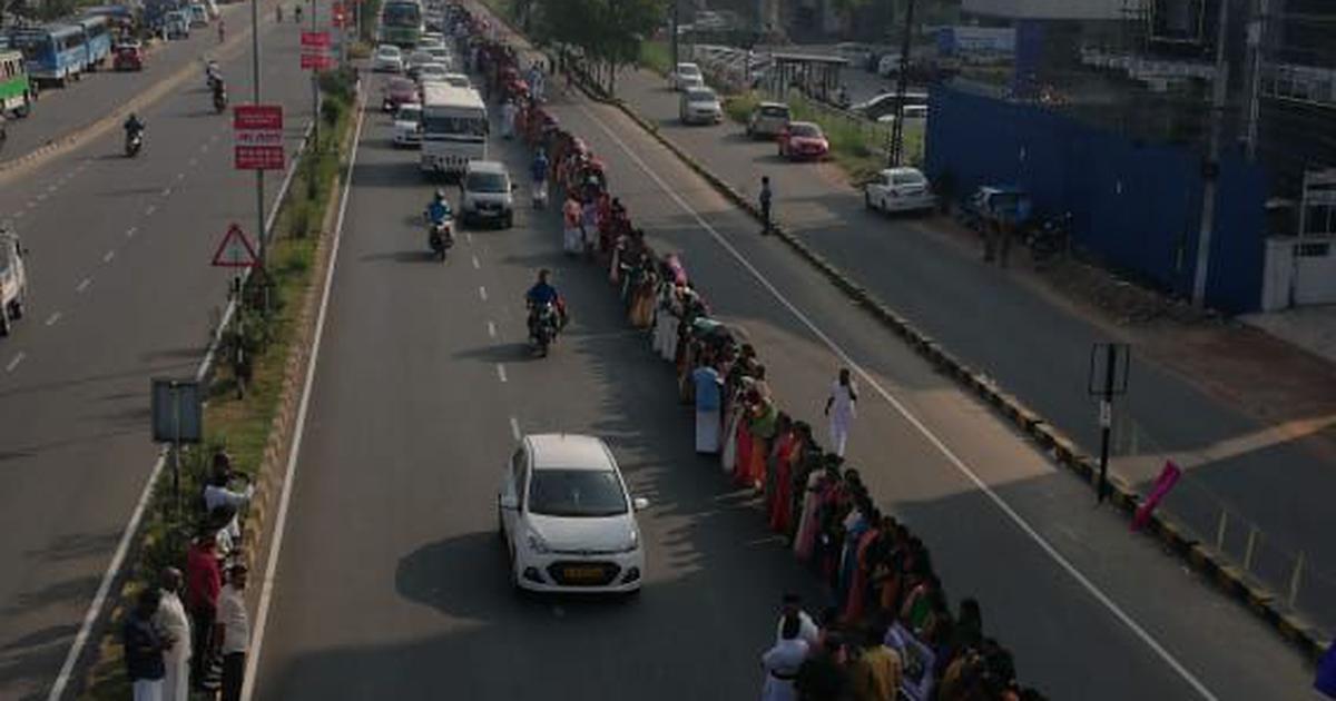 Kerala: Lakhs participate in 620-km 'women's wall' from Kasargod to Thiruvananthapuram