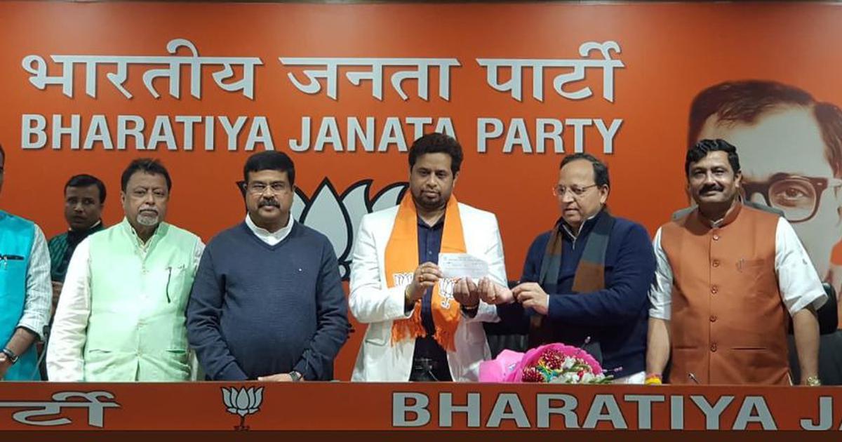 In a setback to Mamata Banerjee, Trinamool Congress MP Saumitra Khan joins BJP