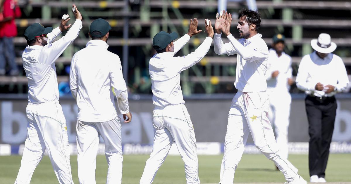 South Africa bowled out for 262 after suffering dramatic collapse in third Test against Pakistan