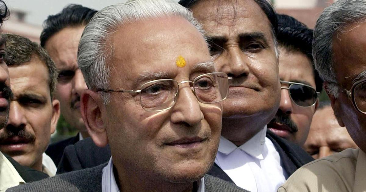 Vishnu Hari Dalmia, industrialist and former VHP president, dies at 91