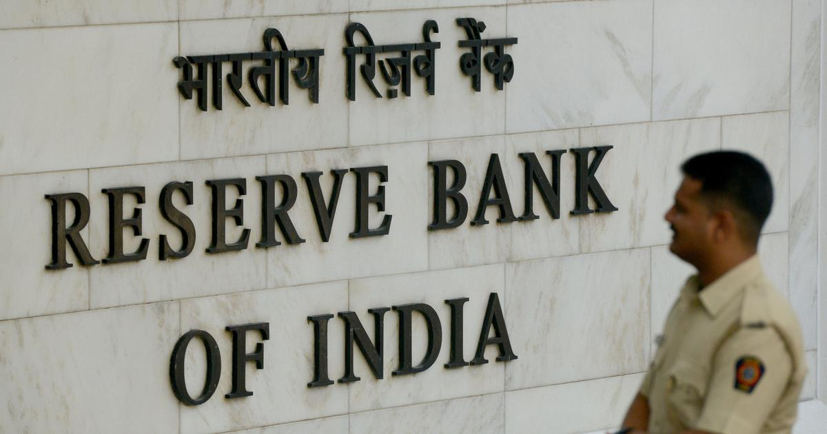 Supreme Court issues notice on contempt pleas to RBI for not disclosing information under RTI Act