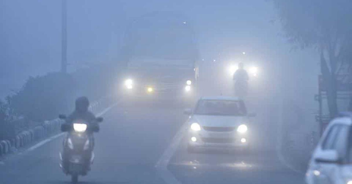 Delhi: 27 trains and several flights delayed as fog engulfs national Capital