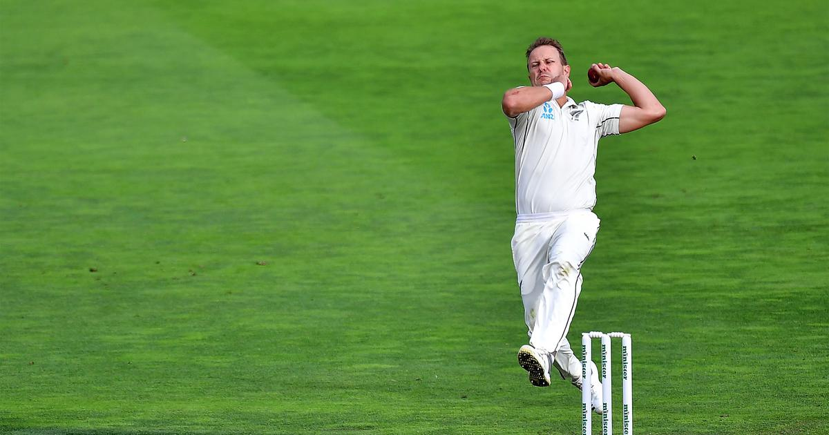Watch: New Zealand's Wagner takes one of the best return catches you'll see to dismiss Warner