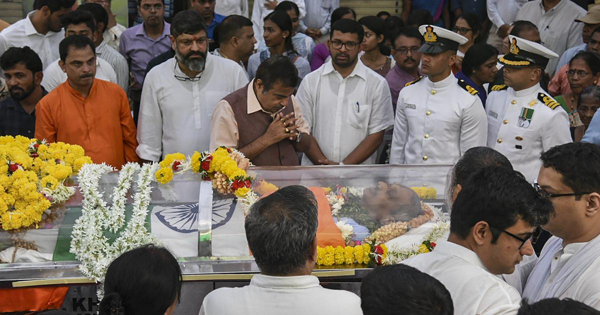 Goa: Inquiry ordered after alleged cleansing ritual held at venue where Parrikar's body was kept