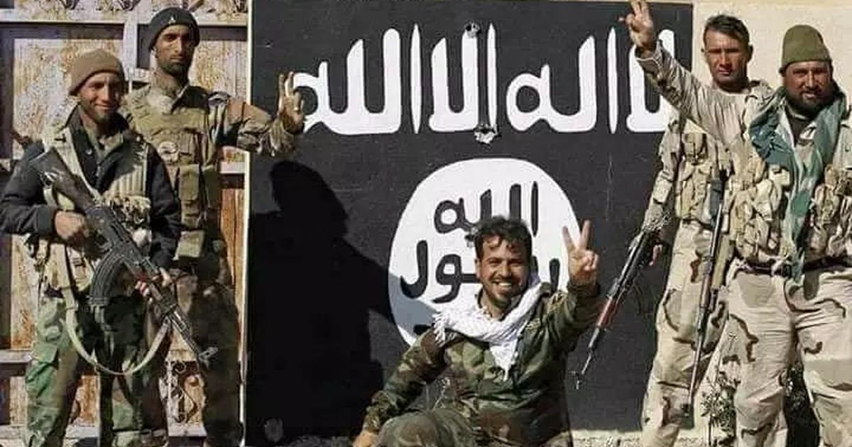 Fact check: Is this really a photo of missing JNU student Najeeb Ahmed with Islamic State fighters?