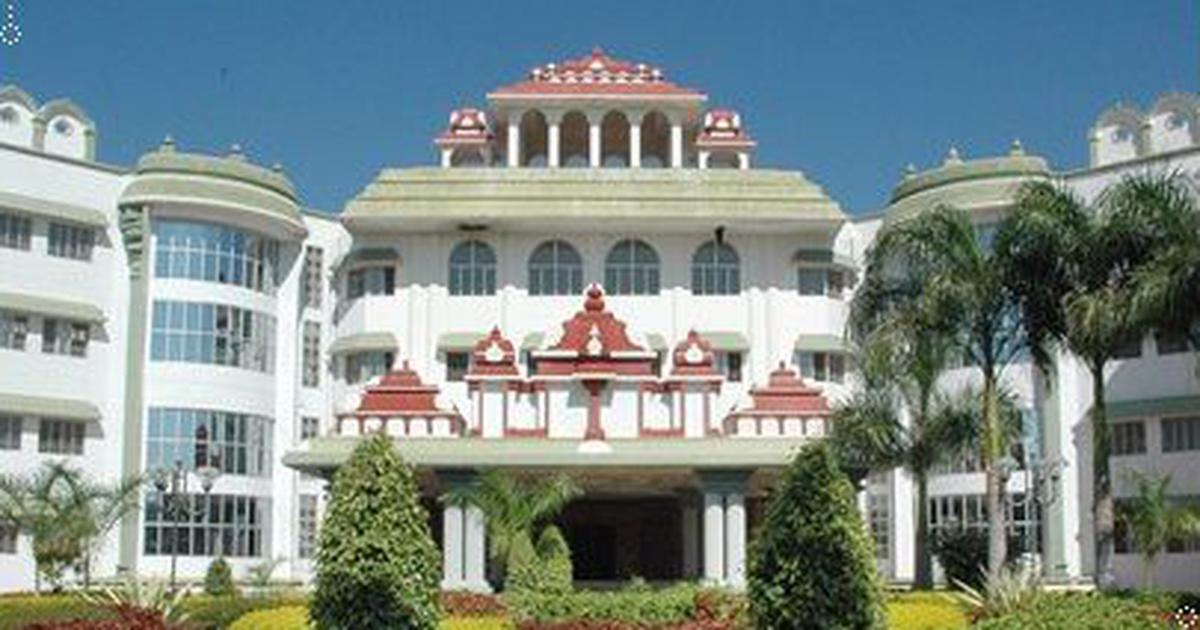 Madras High Court orders authorities to register a marriage between a man and a transwoman