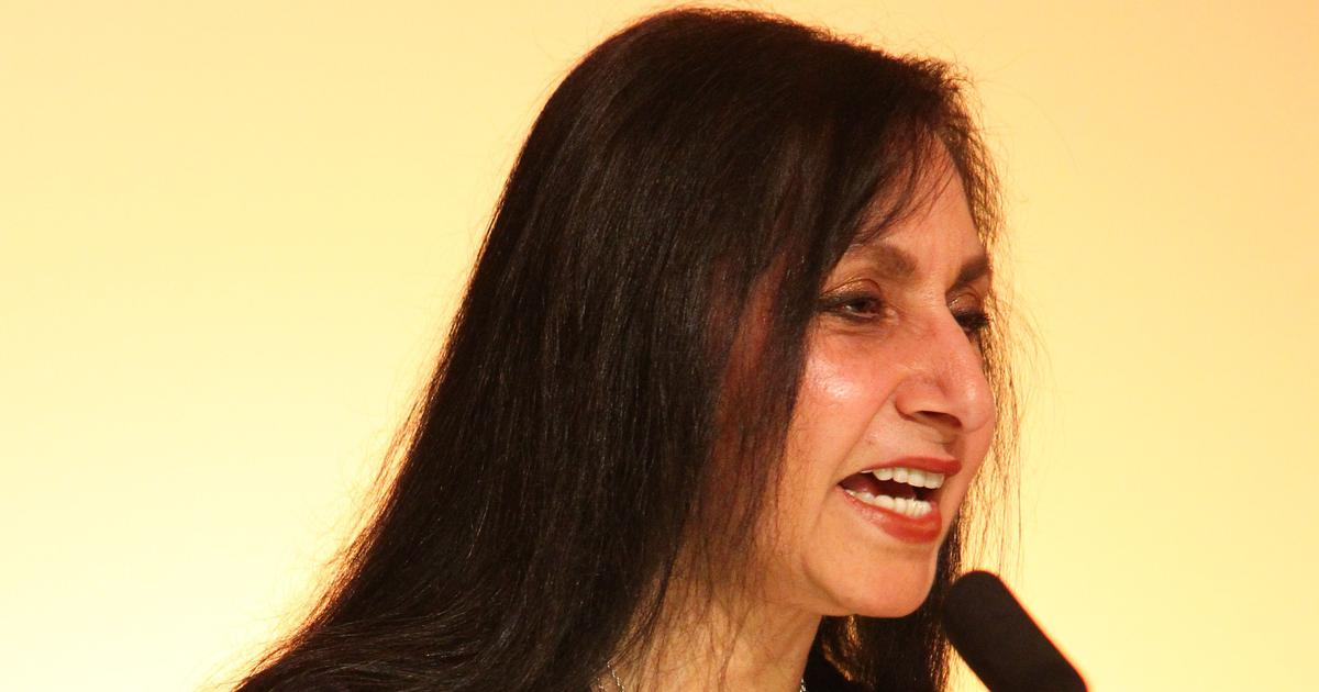 Imtiaz Dharker turns down England's poet laureateship to focus on her work