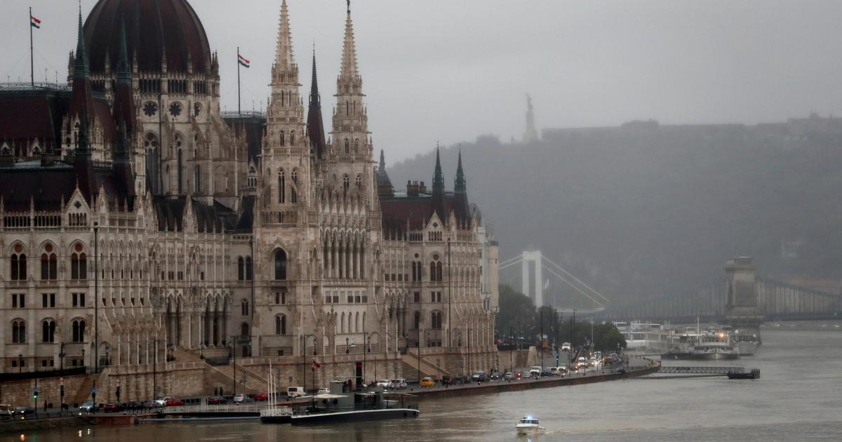 Hungary: 7 killed, 19 missing after cruise boat capsizes in Budapest