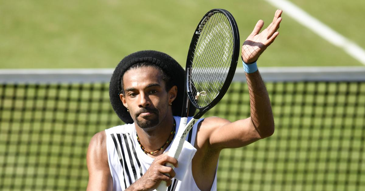 Tennis: Dustin Brown upsets top seed Alexander Zverev in Stuttgart