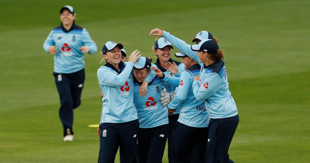 Amy Jones, Sarah Taylor star in third ODI as England complete series sweep against West Indies