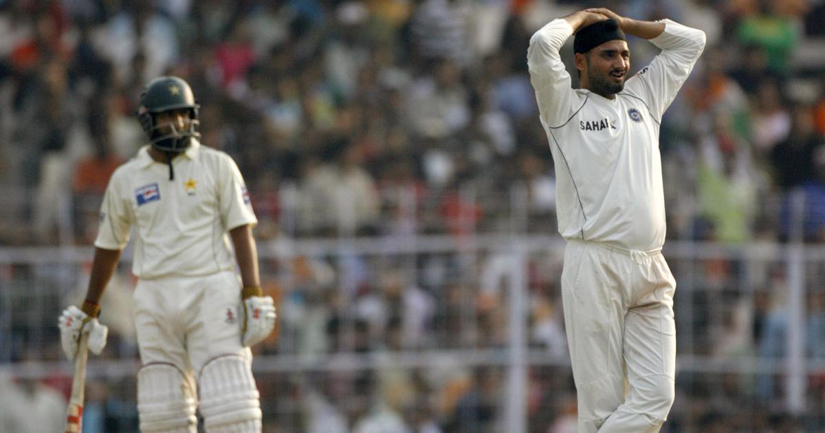 Yousuf and I nearly attacked each other with forks during 2003 World Cup, says Harbhajan