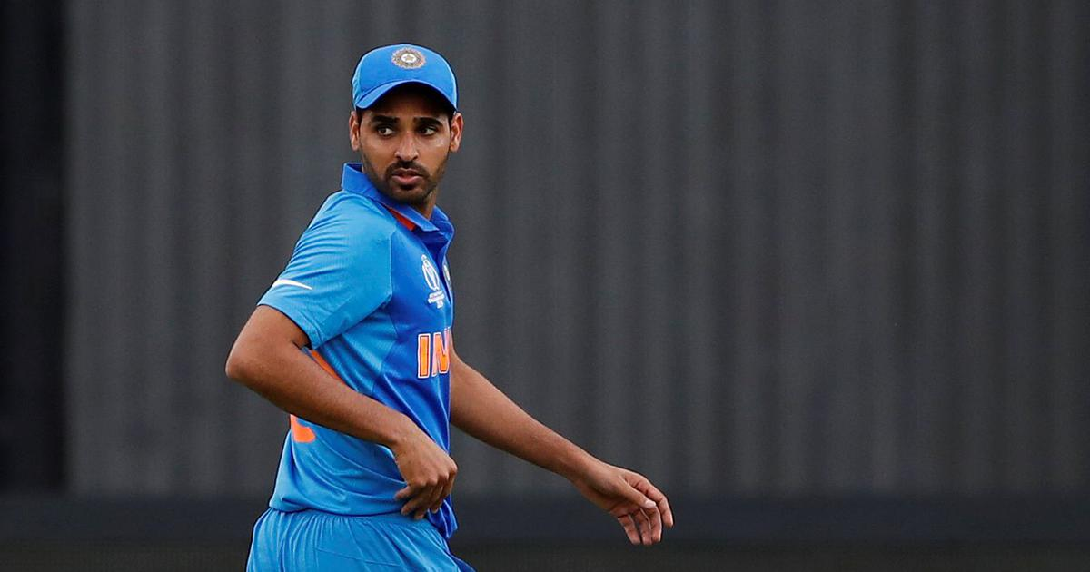 World Cup 2019, India vs Pakistan: Bhuvneshwar Kumar limps off the field with a hamstring injury
