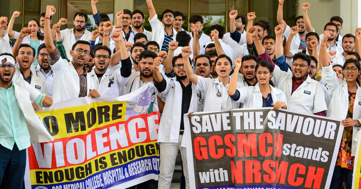 West Bengal: Doctors agree to call off strike after Mamata Banerjee promises better security