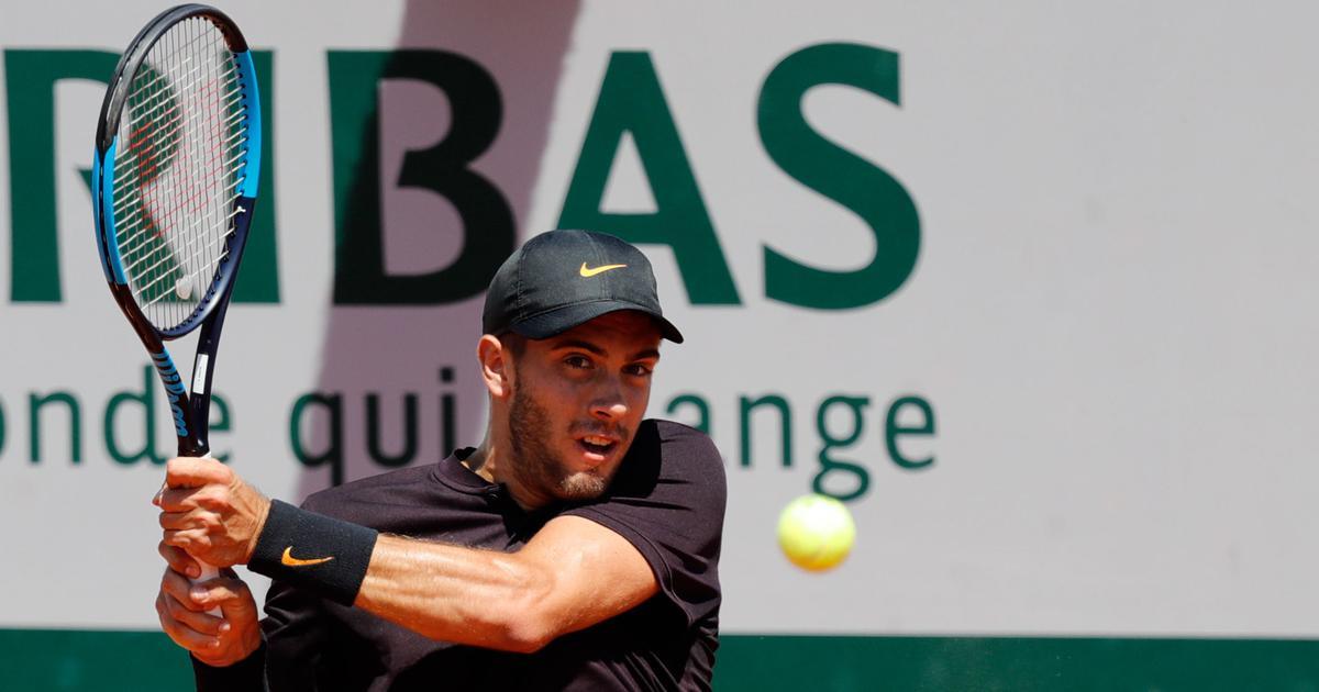 Tennis: Borna Coric, Karen Khachanov reach Halle quarter-finals with hard-fought victories