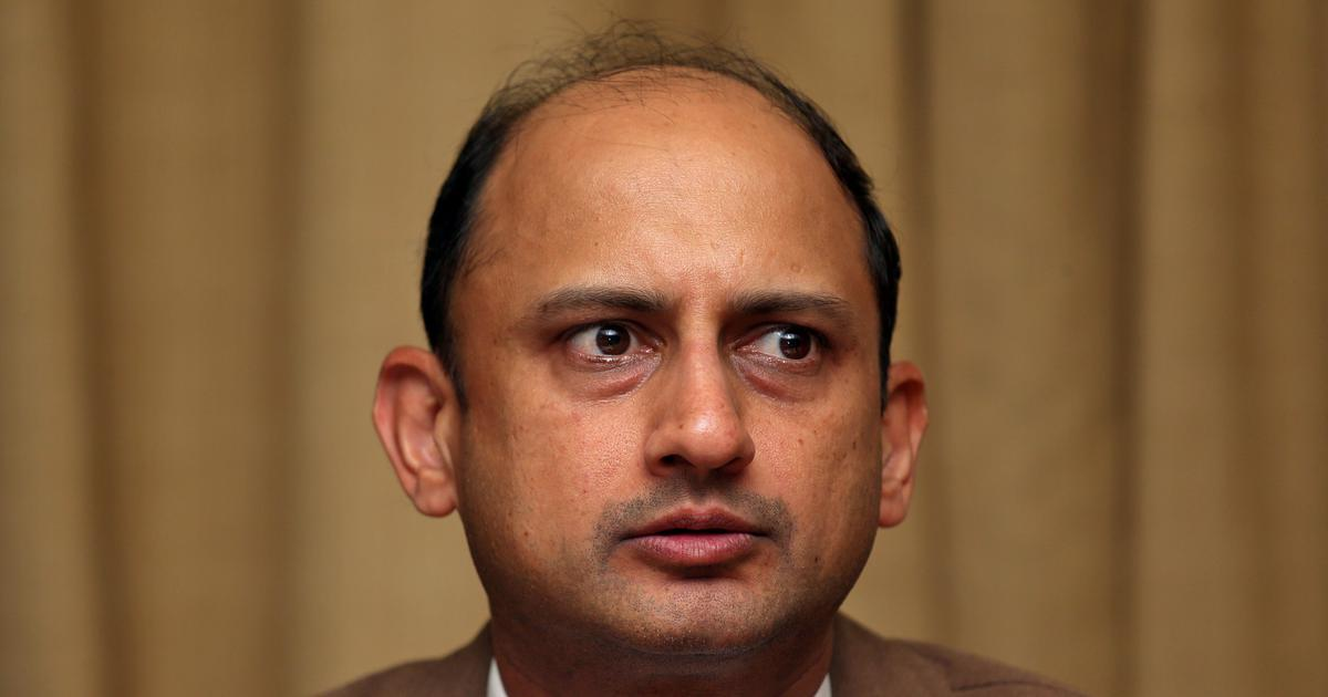 India central bank's deputy governor resigns 6 months before term ends
