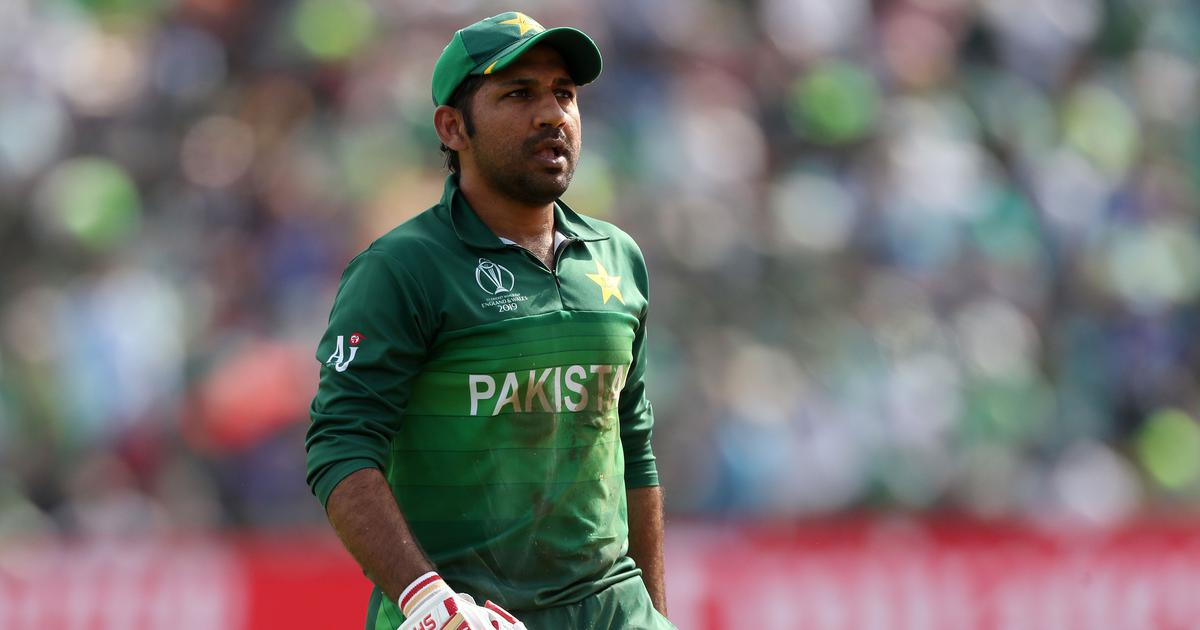 Despite being axed as skipper, Sarfaraz Ahmed to remain in central contract list for Pakistan