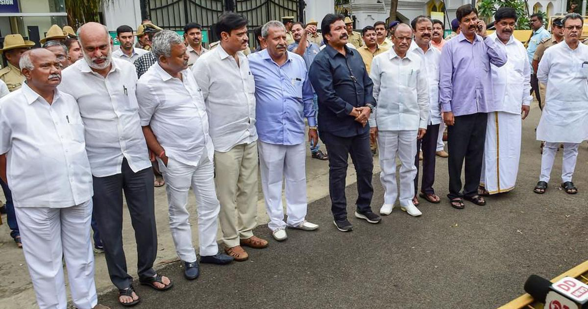 Karnataka crisis: Supreme Court to continue hearing plea of rebel MLAs today