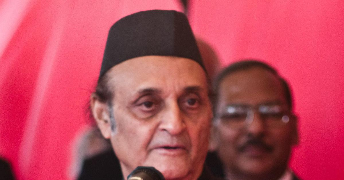 Veteran Congress leader Karan Singh says he is 'aghast to see the confusion' in the party