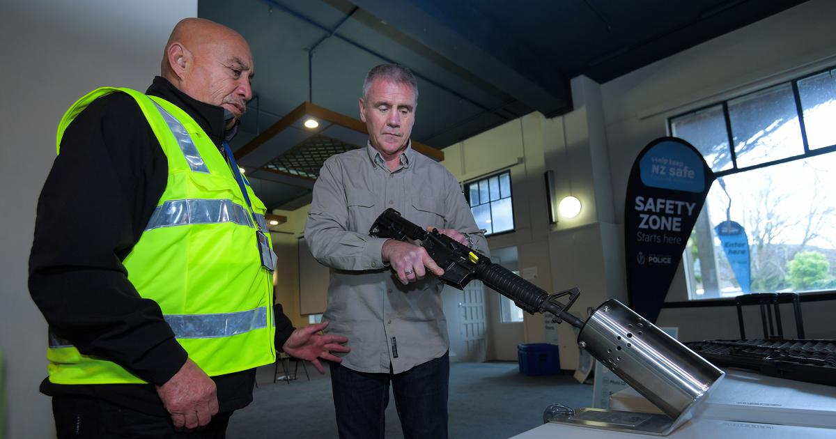 Christchurch attacks: New Zealanders begin to give up firearms after gun law changes