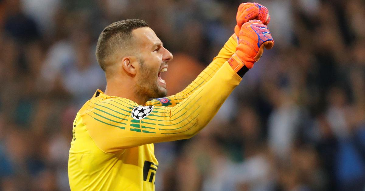 Football: Goalkeeper Samir Handanovic turns hero as Inter Milan beat Neymar-less PSG on penalties