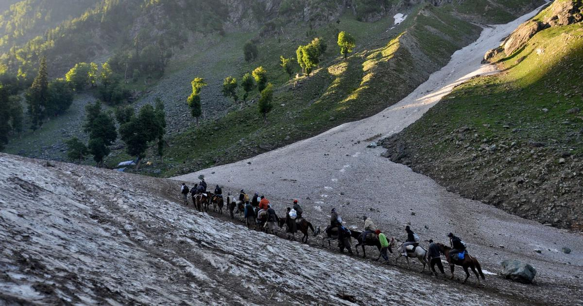 Amarnath Yatra halted after Srinagar-Jammu highway is closed because of mudslides
