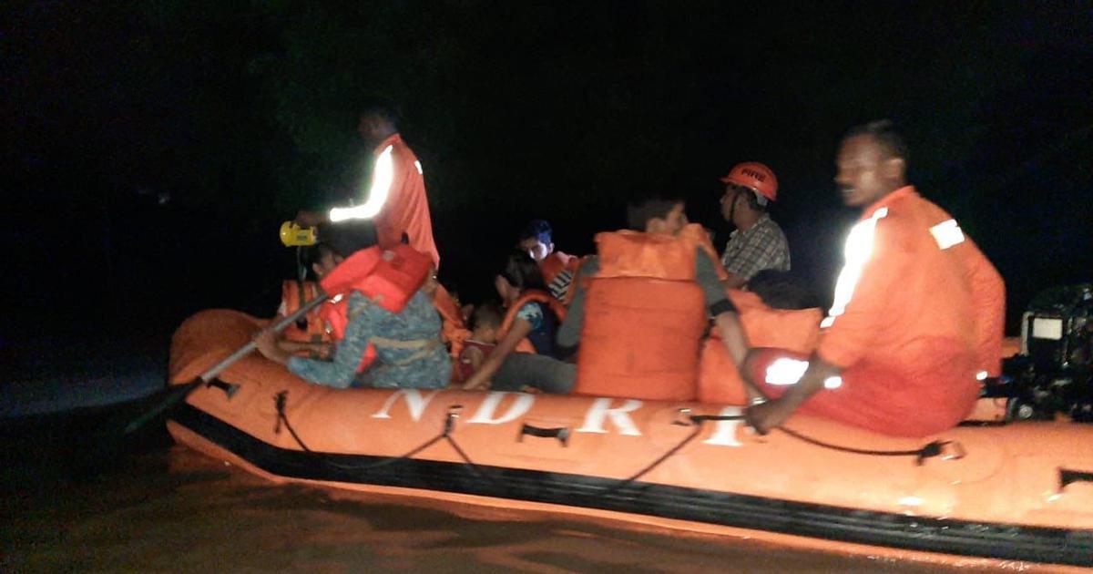 Vadodara: Heavy rain leads to waterlogging, NDRF deployed to evacuate residents