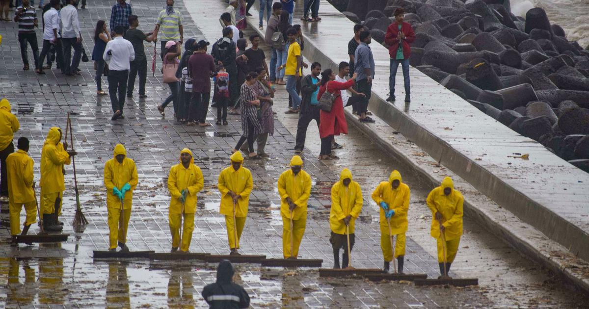 Maharashtra: IAF rescues 58 people from Thane, state government asks for six more NDRF teams