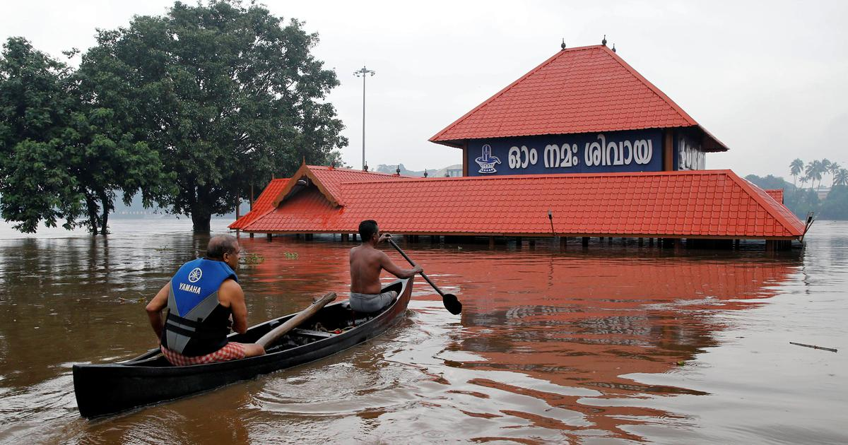Kerala rain Over 22,000 people in flood relief camps Kochi airport shut till Sunday