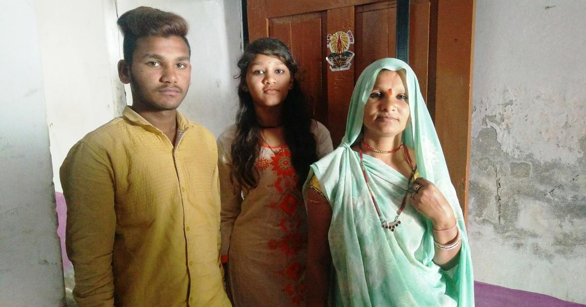 A decade after her husband died cleaning a septic tank, a woman in MP struggles to keep going