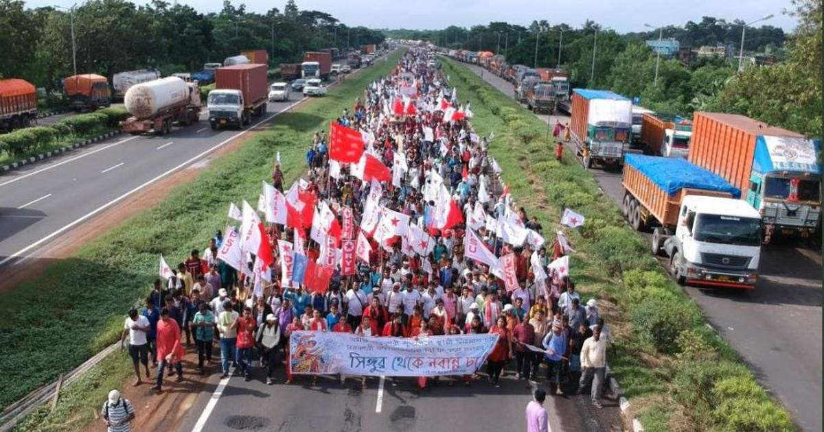 West Bengal: Thousands of Left protestors asking for jobs clash with police near state secretariat