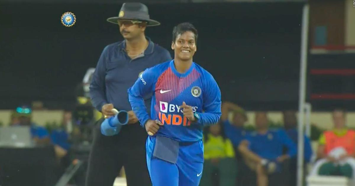 4-3-8-3: Twitter reacts to Deepti Sharma's incredible spell in T20I against South Africa