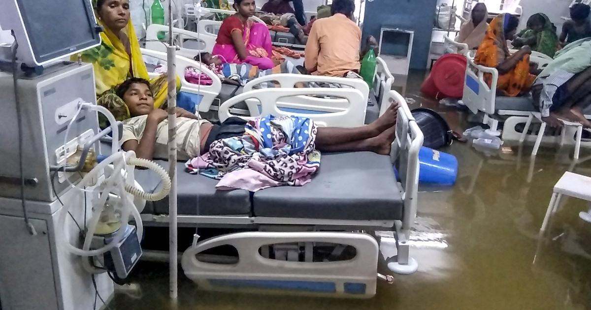 बिहार में बाढ़ के बाद अब डेंगू की आफत सहित आज के अखबारों की प्रमुख सुर्खियां