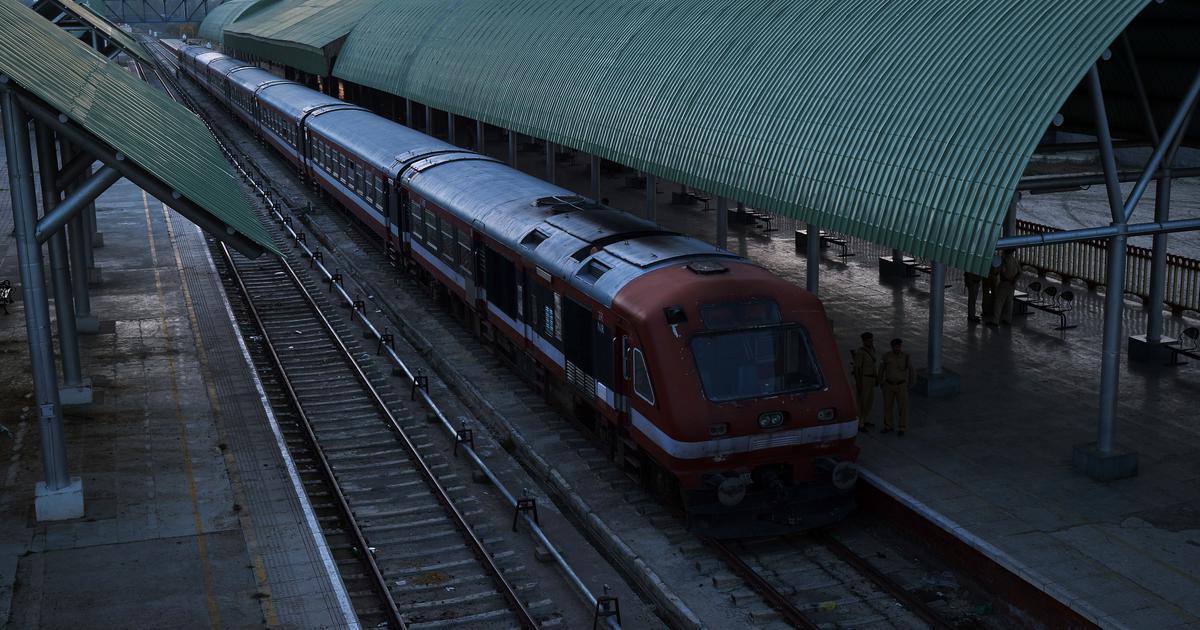 कश्मीर में रेल सेवाएं बहाल हुईं