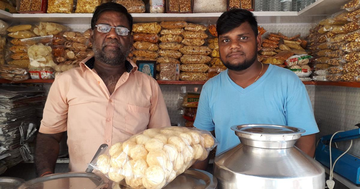 Hard Times: This chaat vendor in Mumbai has seen his income drop by half since demonetisation