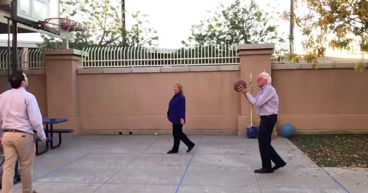Watch: Bernie Sanders shooting perfect free throws in a round of backyard basketball