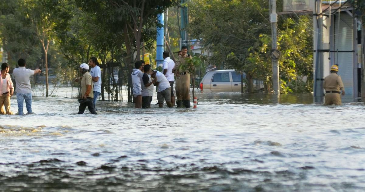 Bengaluru: Scores of houses flooded, families affected after Hulimavu lake breach