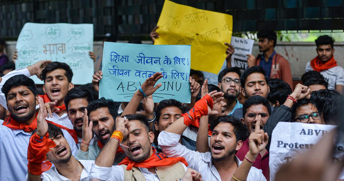 JNU high-level committee offers another partial rollback of fee hike after massive protests