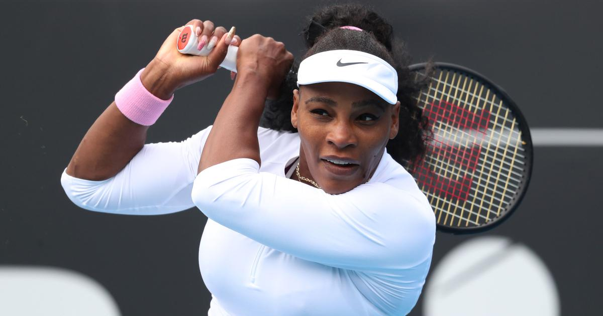 After doubles win together, Serena Williams and Caroline Wozniacki advance in singles at Auckland