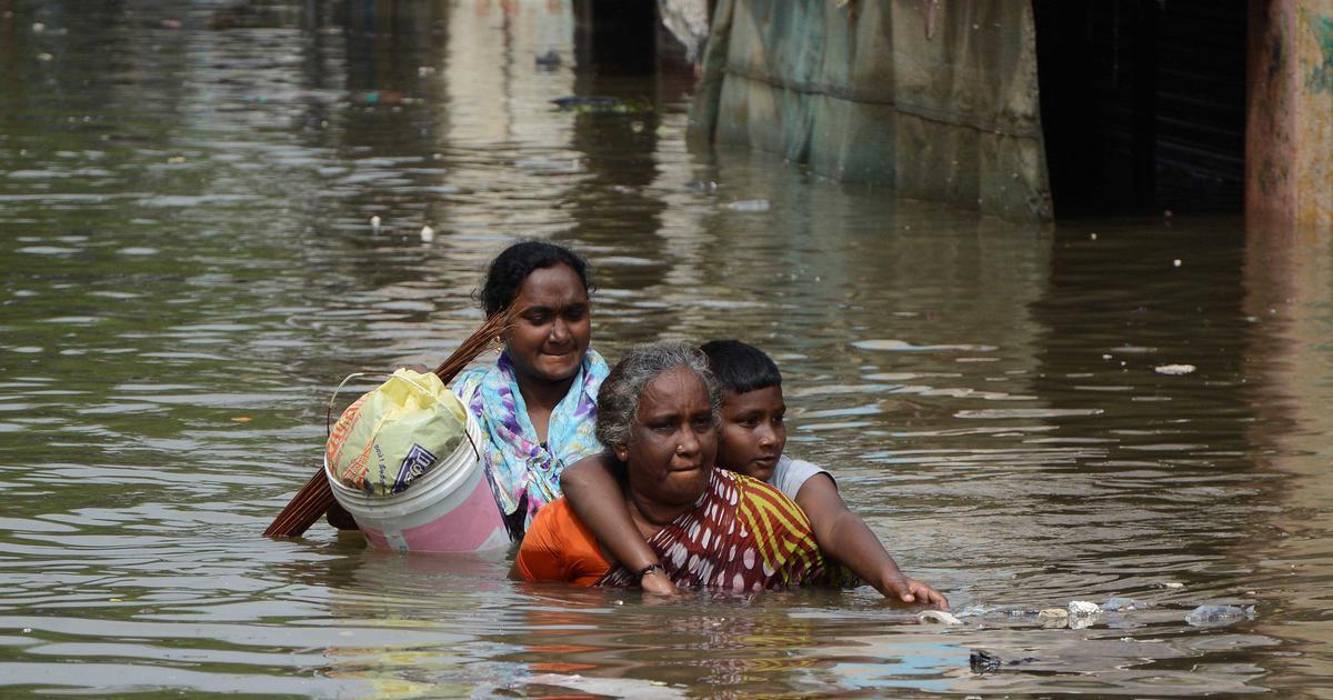 दुनिया में विस्थापन का सबसे बड़ा कारण प्राकृतिक आपदाएं हैं जिनका सबसे बड़ा शिकार भारत है
