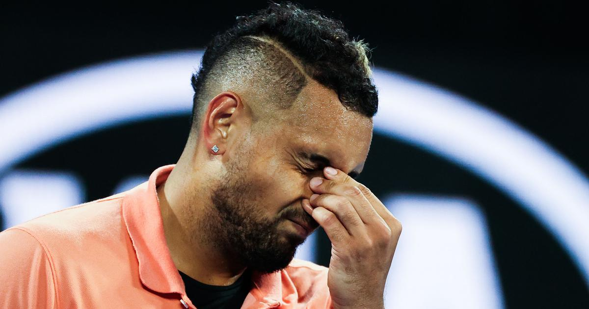 Watch: Kyrgios mimicks Nadal's service routine after getting time violation, Simon joins in later