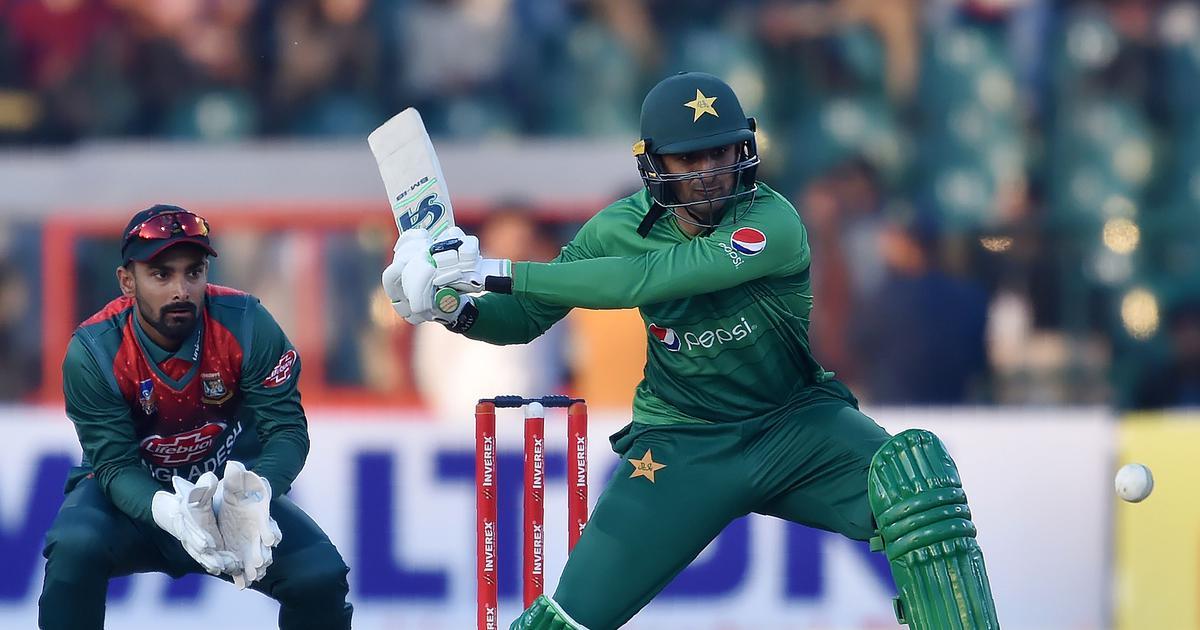 Shoaib Malik's half-century steers Pakistan to five-wicket win over Bangladesh in first T20