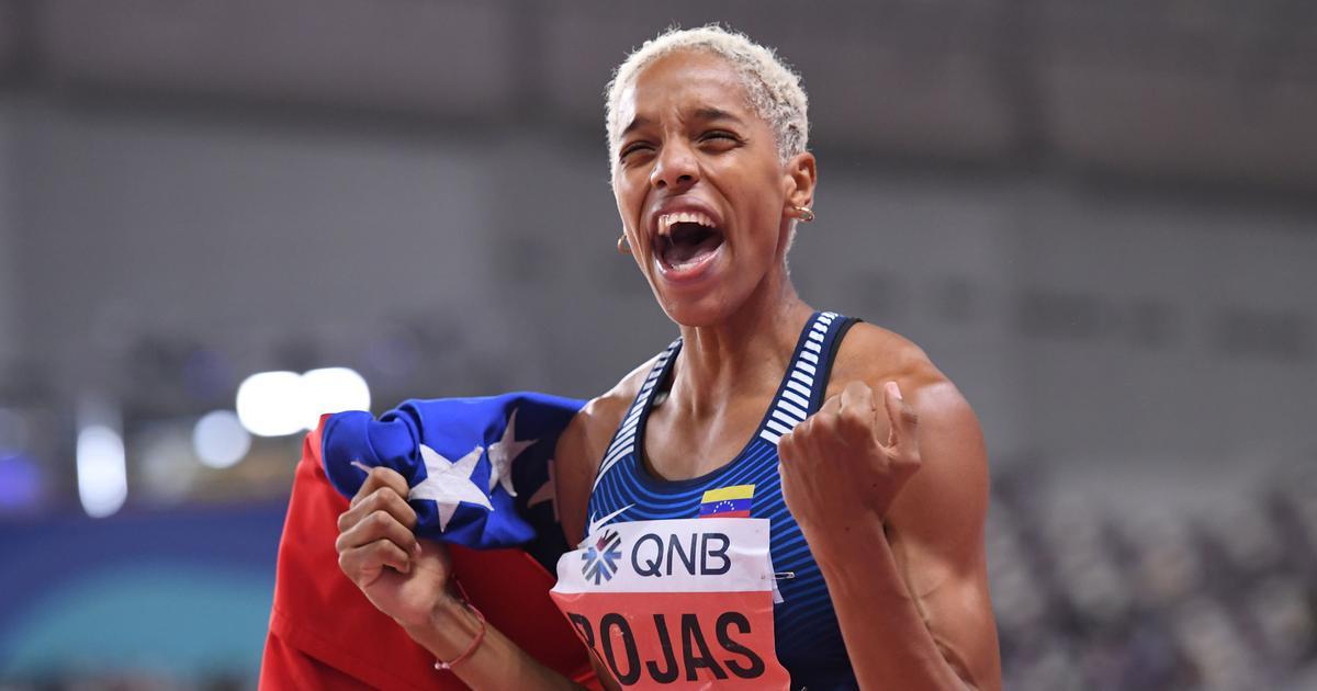 Primera latina en atletismo en recibir el récord guinness otro logro histórico consigue este yulimar rojas rompió el récord mundial de salto triple indoor con una marca de 15.43m en el. Athletics: Yulimar Rojas sets new indoor women's triple ...